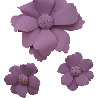 Large Flower pin and earring set in Lavender