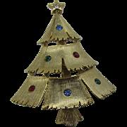 Vintage J.J Christmas tree pin