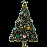 Pakula Christmas tree pin draping branches