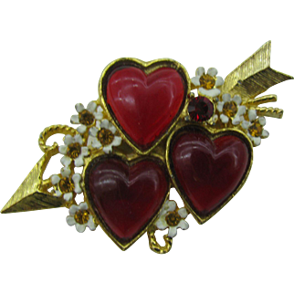 Sweet vintage Heart pin with three hearts and arrow