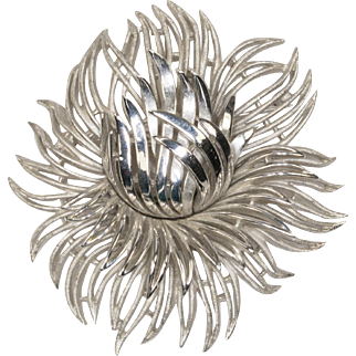 Trifari Inner Flame Flower Brooch Pin
