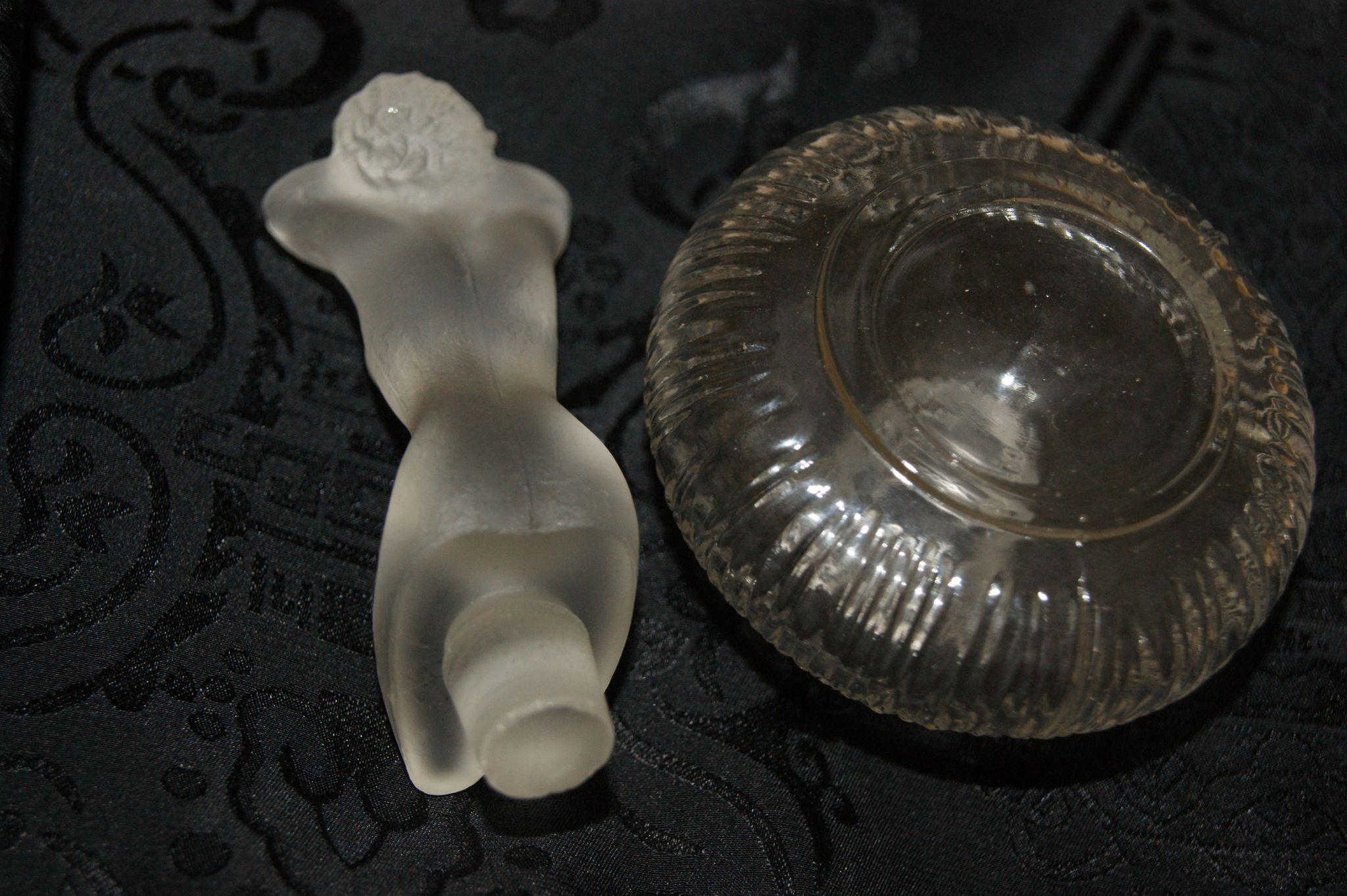 Vintage Nude Frosted Stopper w/ Perfume Bottle Elroy or