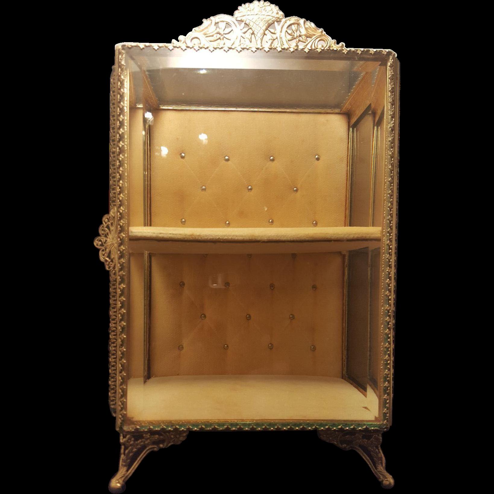 vitrine vintage affordable vintage glass vintage with. Black Bedroom Furniture Sets. Home Design Ideas