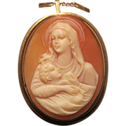 Antique  Shell Cameo brooch/pendant depicting the Holy Virgin,  eighteen karat yellow gold, 19th century