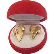Vintage leaf ear clips ,, 18 k yellow gold, ca. 1960