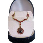 Garnet necklace , 14k yellow gold, ca. 1960