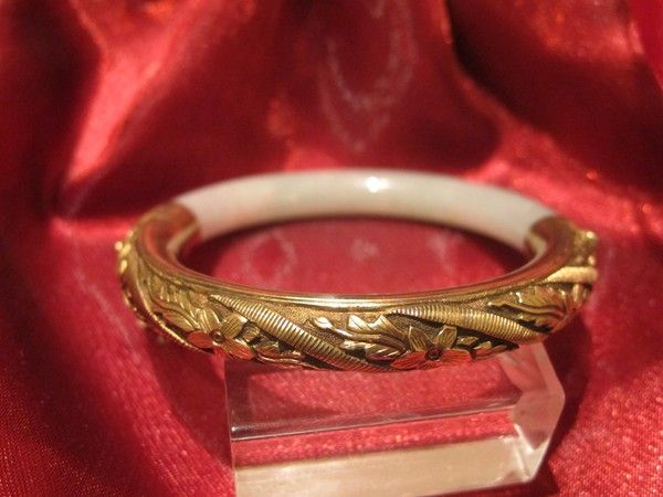 Victorian Jadeit Jade and gilded silver bangle bracelet, 19th century