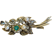 Art Deco Diamond and Emerald brooch, 14 k white gold, ca. 1920