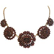 Victorian Garnet necklace, gilt silver, 19th century