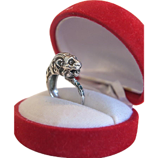 Antique lion,s head silver ring, late 19th century