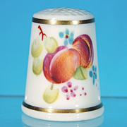 "Vintage ROYAL WORCESTER Fine Bone China Thimble ""Peaches & Grapes"" Made in England / SIGNED"
