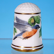 Limited Edition Porcelain Thimble EASTERN BLUEBIRD / Franklin Porcelain / GARDEN BIRDS / Peter Barrett