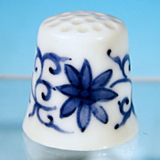 Vintage DELFTWARE DELFT BLUE Pottery China Collectible Sewing Thimble