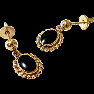 10KT Yellow Gold Onyx Dangle Earrings