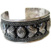 Egyptian 800 Silver Cuff Bangle Bracelet - Fully Hallmarked - Red Tag Sale Item