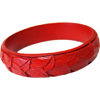Cinnabar Lacquered Hand-carved Bangle Bracelet 1930's