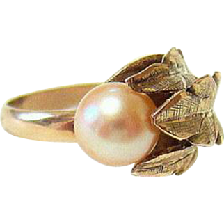 Mid Century 14KT Yellow Gold Saltwater Pearl Ring