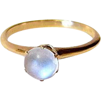 Victorian 14KT Rosy Gold Cabochon Moonstone Ring