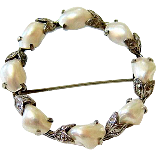 Arts and Crafts 10 Kt White Gold Baroque pearl Brooch