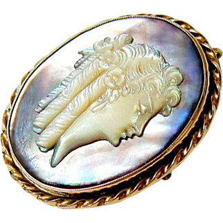 Edwardian 10KT Yellow Gold Mother-of-Pearl and Abalone Shell Cameo Pendant Brooch