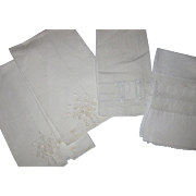 4 White Embroidered Guest Towel