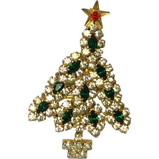 Vintage Rhinestone Christmas Tree Pin/Brooch