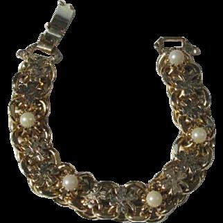 Vintage 1970's Faux Pearl and 4 Leaf Clover Wide Link Bracelet