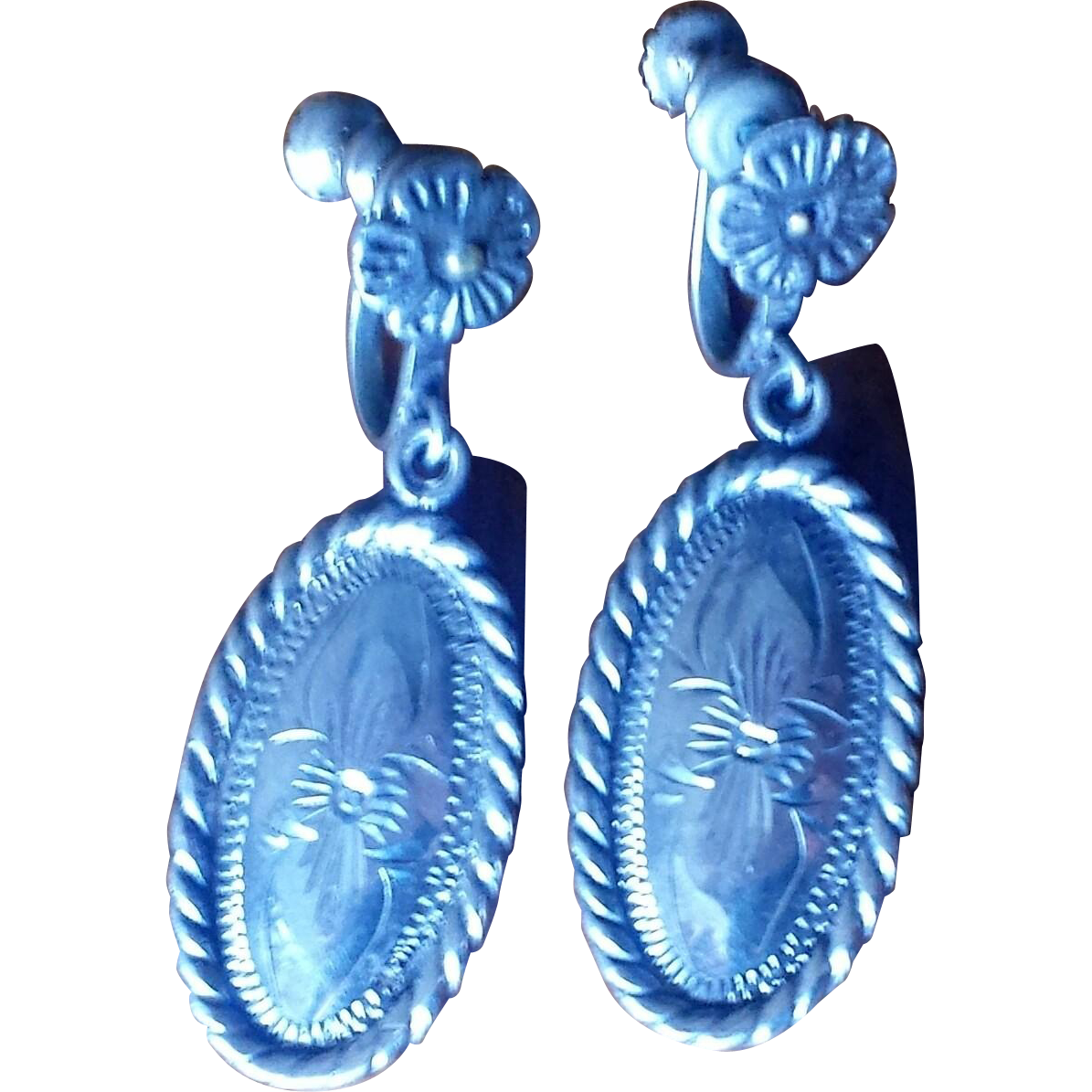 Vintage 1940s Chased Sterling Silver Dangle Earrings