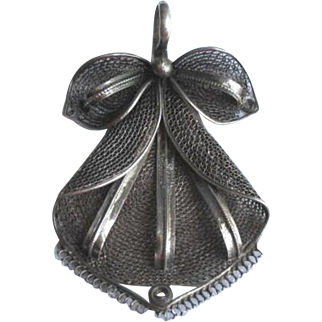 Vintage 1940's Sterling Silver Mesh Ribbons and Bow Pendant