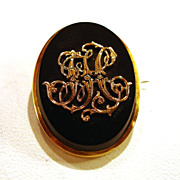 "Mourning Brooch ""18 Karat Yellow Gold"" and Onyx 1854"