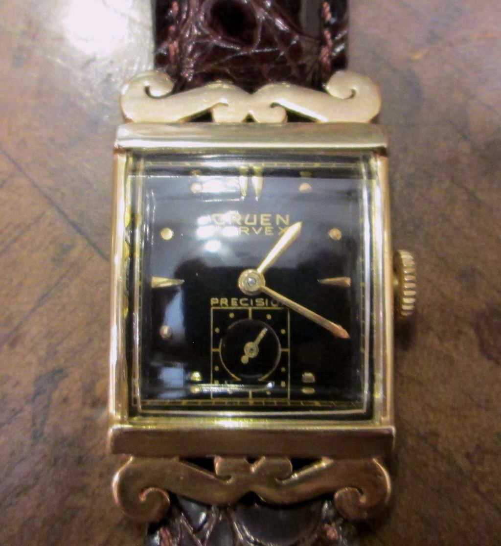 Vintage Gruen Curvex 14K Gold Men's Wristwatch, Circa 1945