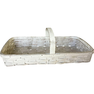 19th Century Large Oyster White Gathering Basket - Great Surface