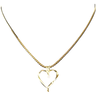 Heart Shaped Pendant with Diamond 14 kt