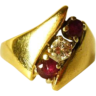 Ladies Diamond and Ruby Ring 14 kt