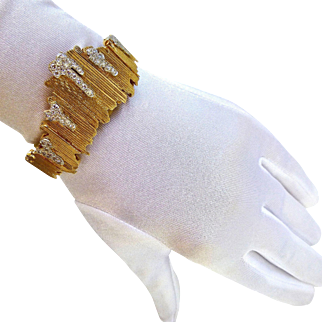 Retro Modernist Freeform 14K Gold & 1.65 Cts Diamonds Bangle Bracelet Surprise Watch Baume Mercier, 52 Gr