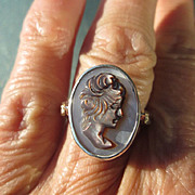 Sterling Silver/9kt Yellow Gold and Diamonds Mother of Pearl Carved Cameo of Lady Ring