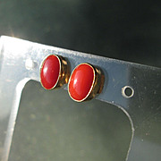 9kt Yellow Gold Oval Coral Stud Earrings