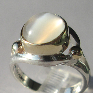 Sterling Silver/9kt Yellow Gold Round Grey Cabochon Ladies Artisan Ring