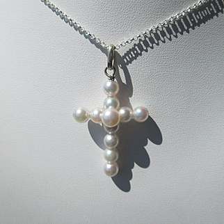 White Freshwater Pearl Artisan Silver Cross with Silver Chain