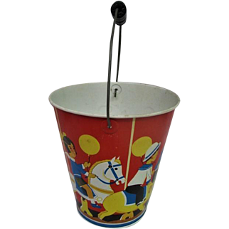 Stunning Wolverine Metal Tin Litho Large Childs Sand Bucket with Wooden Handle
