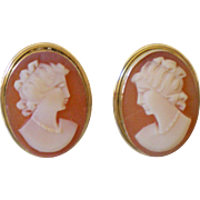 Perfect Vintage 18K Cameo Earrings Clip Pretty Button Style