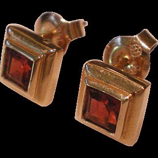 Garnet 14K Solid Yellow Gold Pierced Earrings