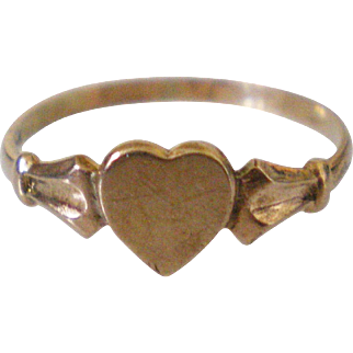 Tiny  Vintage Heart Solid Gold Signet Ring Size 2 ½