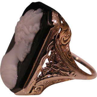 c1930 14K Solid Gold Filigree Butterfly Cameo Ring