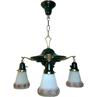Cottage Style 4-light Chandelier