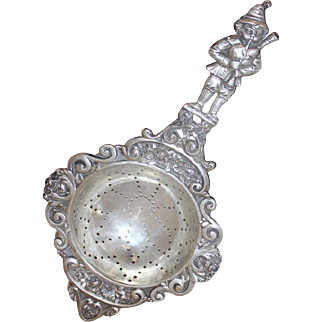 Solid 800 Silver Tea Strainer Made Germany With Pied Piper of Hamlin Handle
