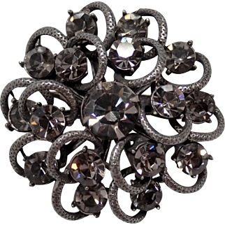 Sparkling Vintage Black Diamond Rhinestone 3-Tier Brooch