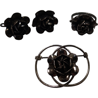Lovely Old Darkened Sterling Rose-Shaped Ring, Earrings and Brooch Set