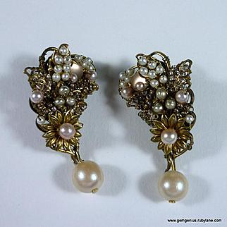 Bijoux Heart Pearl Drop Earrings