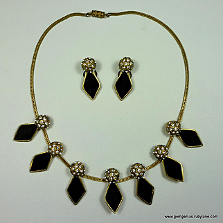 Henri A La Pensee Necklace and Earrings Set